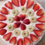 いちごとバナナのデコレーションケーキ